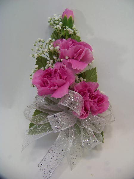Mini Carnation Corsage in Pink
